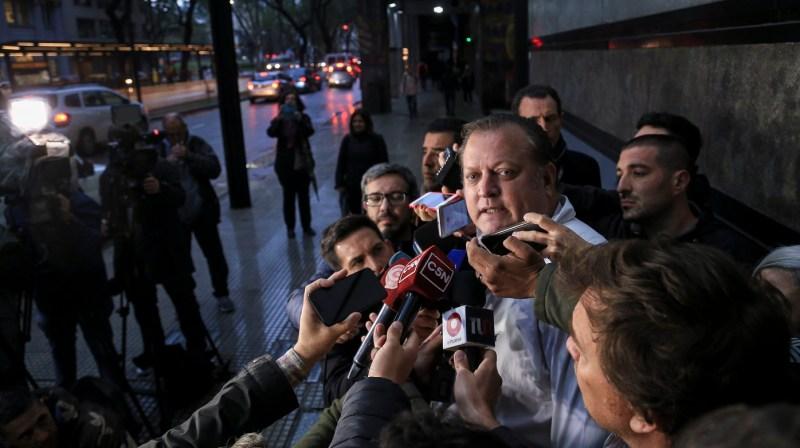 """""""Las líneas aéreas extranjeras están dejando abandonados a los argentinos"""""""