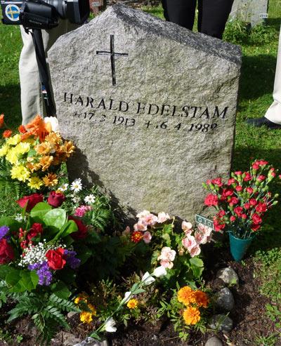 Cementerio de Ekerö Tumba de Harald Edelstam - Suecia