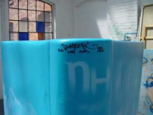 Skulptur Frankfurt Booktown NH-Hotel 2005 Ceci n'est pas une livre …