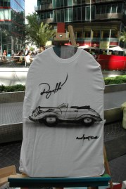 Bugatti. Live Street Art Airbrushing für SEAT © SONY Center Potsdamer Platz, 2012