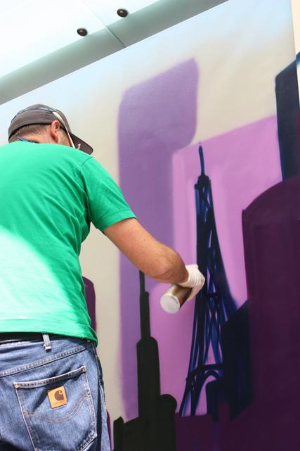 Eifel tower. Skyline Artwork auf sechs Leinwandflächen, 2013. Skyline artwork on six canvas surfaces, 2013