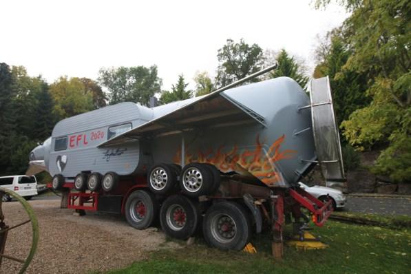 Besprühte Güllehülle EU Rakete Peter Ratz/Ley Eiserfey