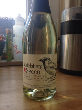 Etikettendesign / Labeldesign Spatz Sperling / sparrow Godelsberg Secco 2015