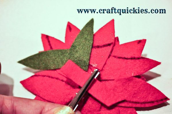 How to Make a Felt Poinsetta-10
