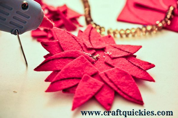 How to Make a Felt Poinsetta-6