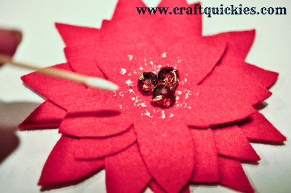 How to Make a Felt Poinsetta-7