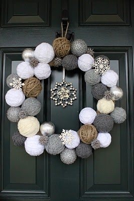 20 festive Christmas wreaths to brighten your home this holiday season! All are perfect for crafting alone or with friends and will make your home shine this holiday season!