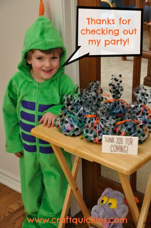 Fun, cheap, and easy ideas for the cutest How to Train Your Dragon party ever!  #craftquickies