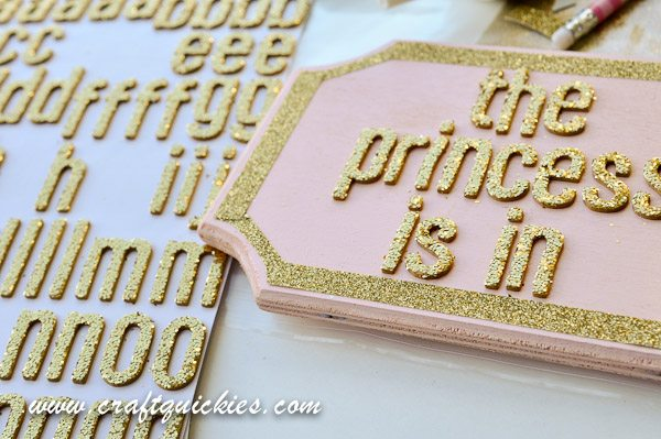 I love this plaque for a little girl's room---both sassy AND sweet!  And everything is better with GLITTER!