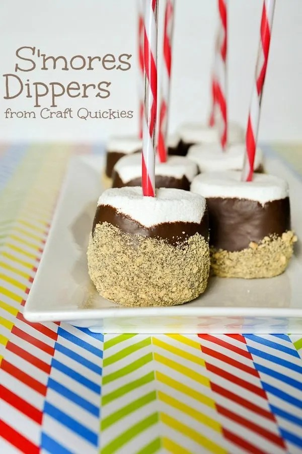 S'mores Dippers are a fun and simple treat to make with kiddos!