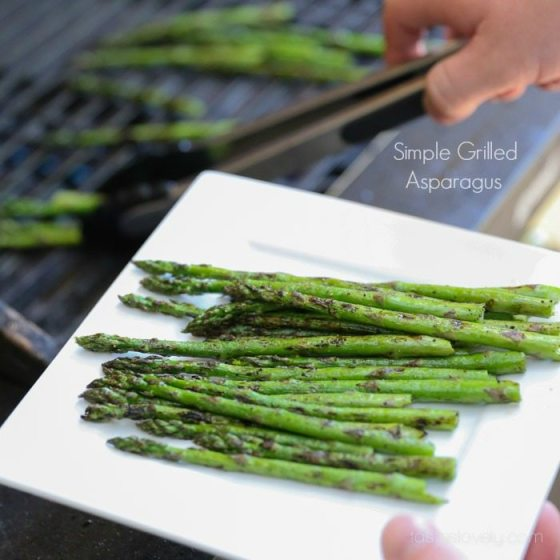 grilling Grilled Asparagus on white plate