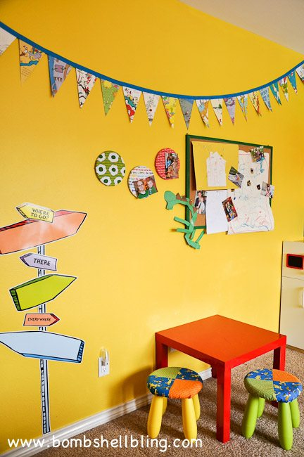 I love this Dr. Seuss bedroom! Too cute!