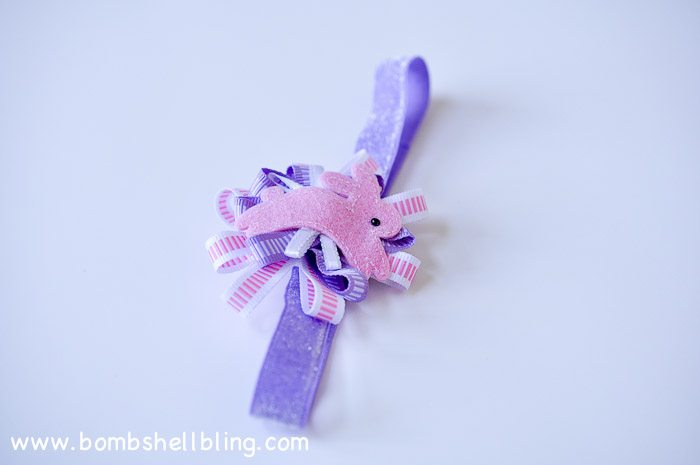 I love this sweet bow for Easter!  So easy to make!
