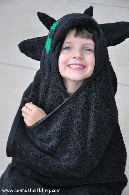 Toothless Hooded Towel-20