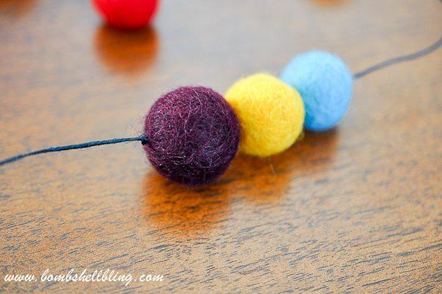 Felt Ball Statement Necklace-10