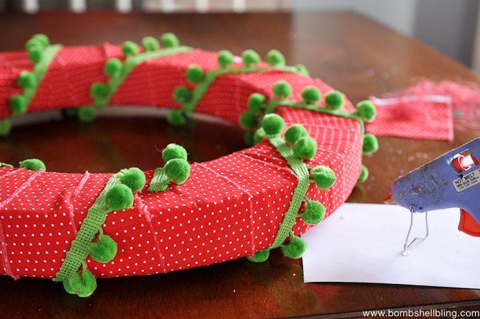 Pom Pom Christmas Wreath-6