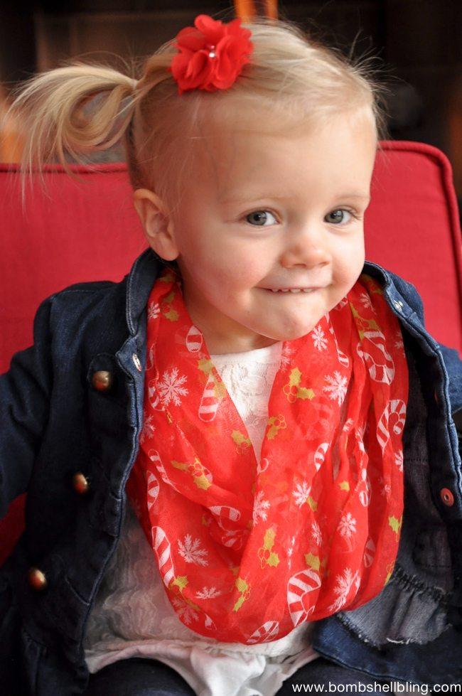 Toddler Christmas Infinity Scarf Tutorial-5