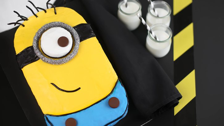 *Despicable-Me-Minion-Sheet-Cake_hero