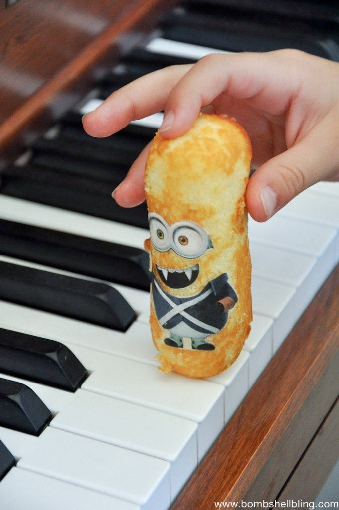 minion ideas twinkie on piano keys