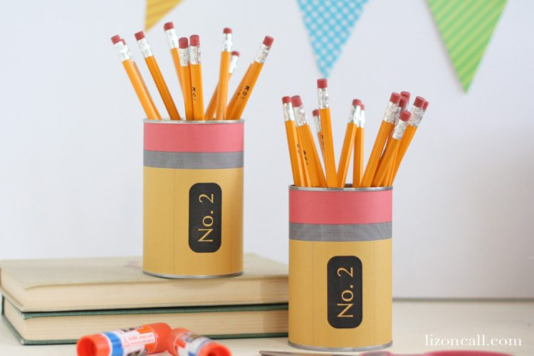 Free printable pencil can wrapper to make a simple and fun back to school teacher gift.