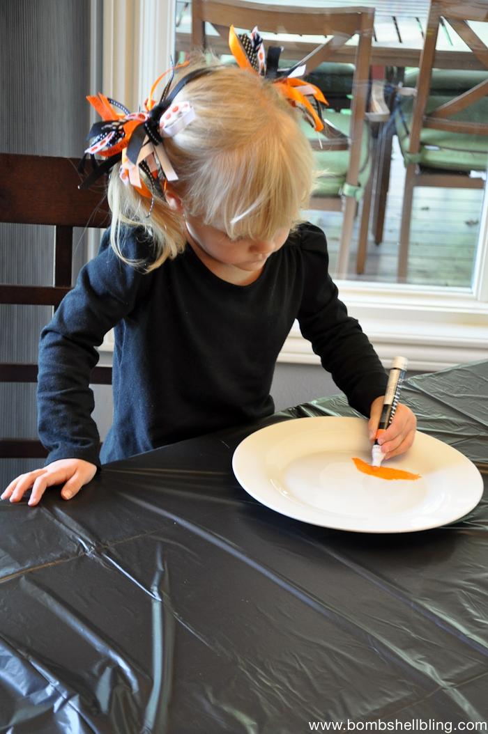 Halloween Paint Pen Plates-1