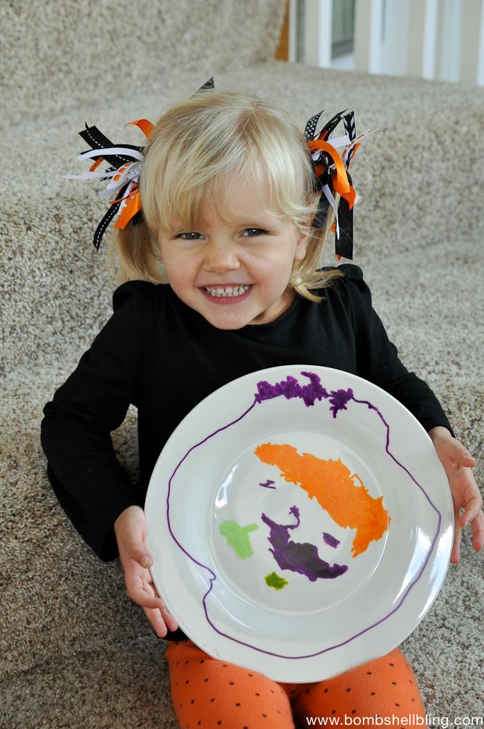 Halloween Paint Pen Plates-6