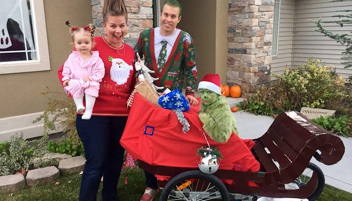 The Grinch and Cindy Lou Who Halloween Costumes (and Christmas Card!)
