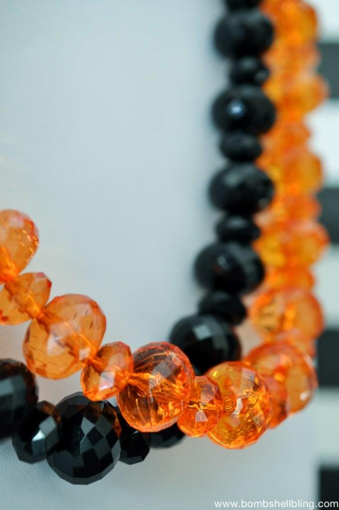 glamorous-adult-halloween-necklace-1