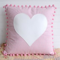 Pom Pom Heart Pillow Tutorial