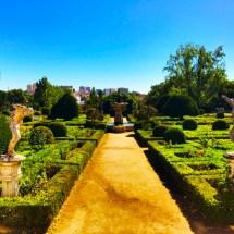 Fronteira Full Garden Shot