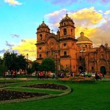 Cusco Plaza de Armas Iglesia de Jesus
