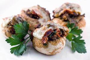 Ciuperci umplute in stil italian