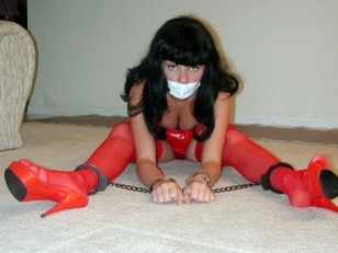 Horny Amateur Girlfriends get excited in Bondage