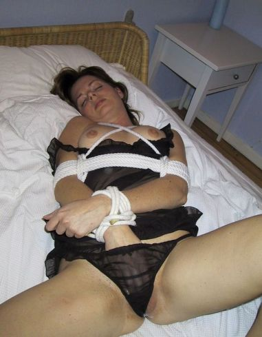 Beautiful Girlfriend in Lingerie Gets Bound in Bedroom for Fun