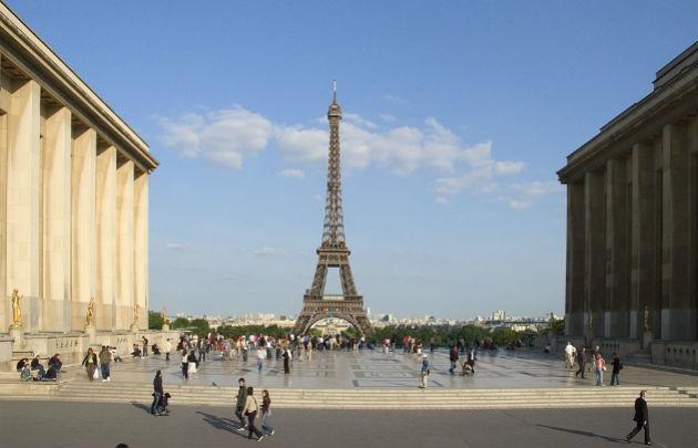 Parvis-des-Libertés-et-des-Droits-de-l'Homme-Esplanade-Trocadéro-|-630x405-|-©-OTCP-Amelie-Dupont-|-148-37