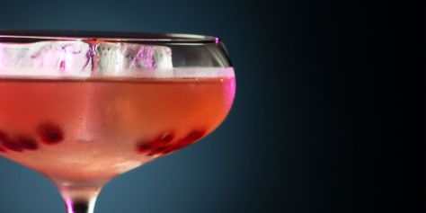 vcocktails_holding-1260x630