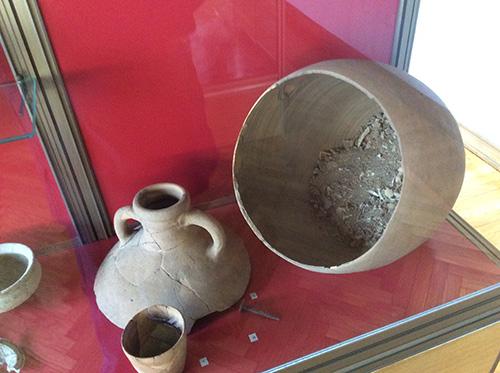 Museo civico Guido Sutermeister di Legnano - urna cineraria