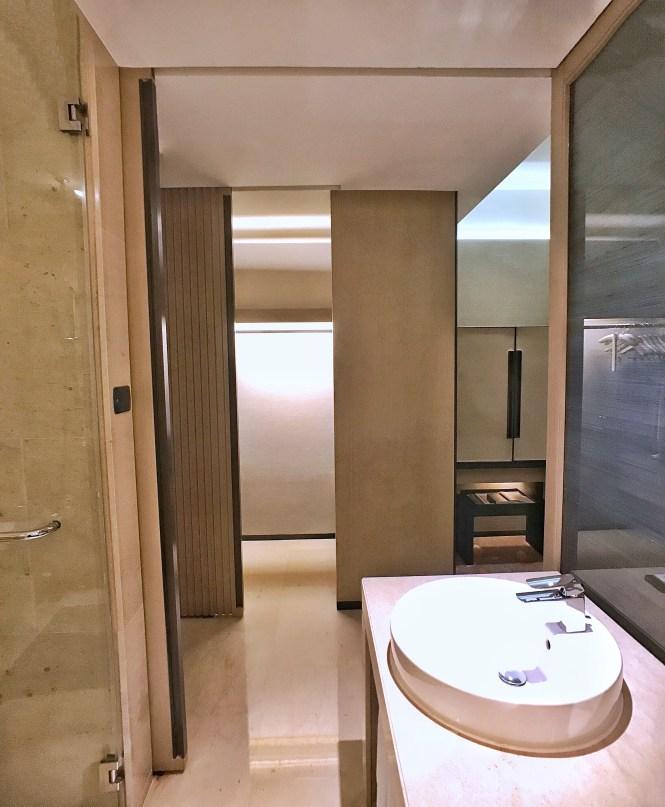Okura Prestige Bangkok closet