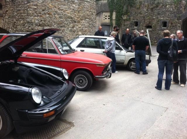 Rassemblement de vieilles voitures au fort de Cormeilles-en-Parisis, encore beaucoup d'éclectisme