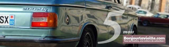 Bandeau des 5 mois de Bonjourlavieille représentant une BMW 202 arrivant au Fort de Cormeilles-en-Parisis