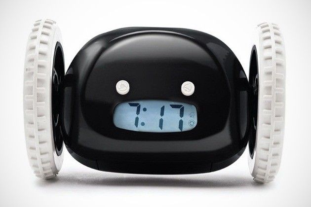clocky alarm clock on wheels (3)