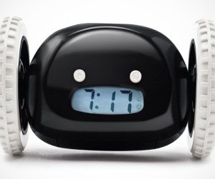 clocky alarm clock on wheels (3)