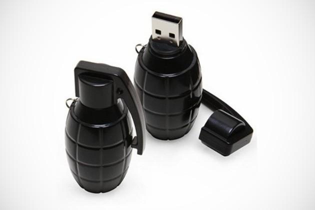 8GB Grenade Flash Drive
