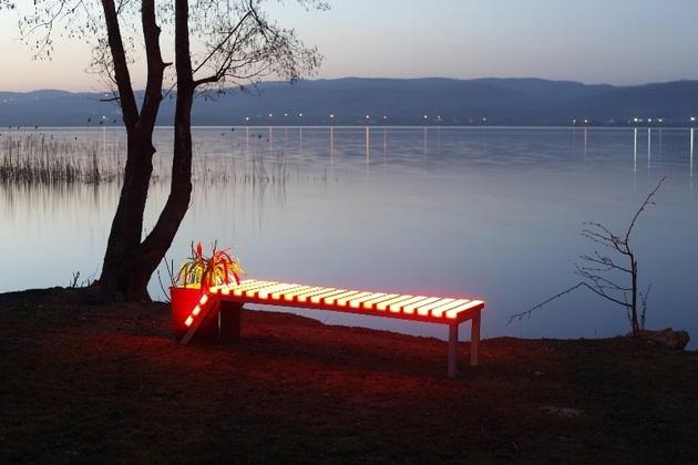 FOTON Solar-Powered illuminating Furniture (5)