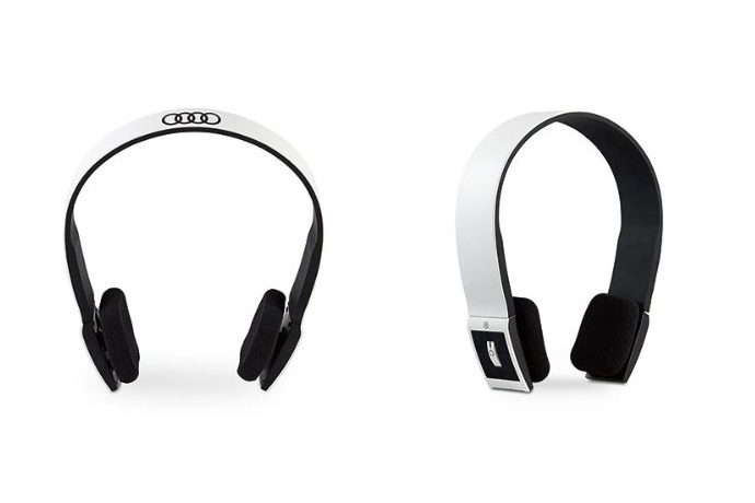 Rechargeable Bluetooth Headphone With Built-in Microphone