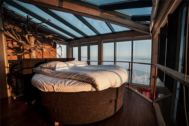 Incredible Eagles View Suite at Iso Syote Hotel in Finland (4)