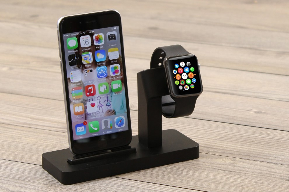 Premium One All in One Dock for Apple Watch & iPhone (2)