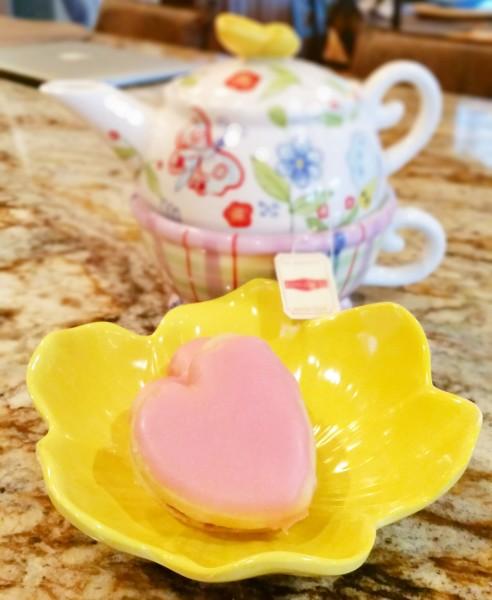 napolitaine and tea