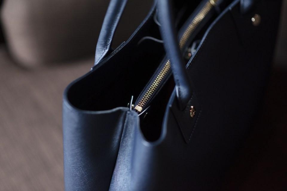 日本限定 agnes b. 防刮皮革藍色托特包