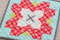 Fleur mini quilt pattern PDF - by Kirsty of Bonjour Quilts